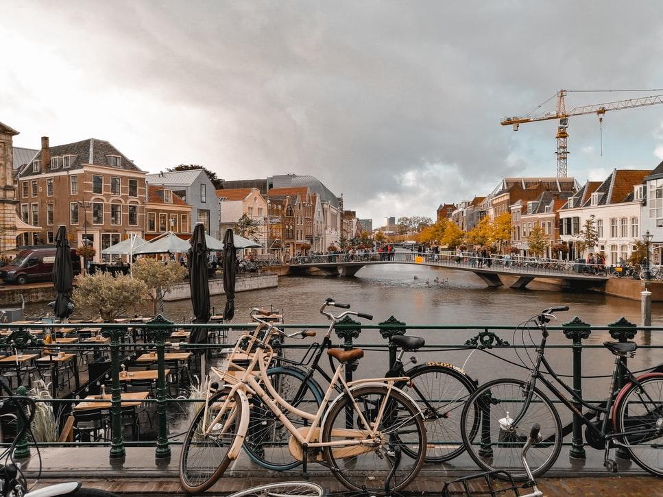 Gracht in Leiden - Studentchauffeur Leiden